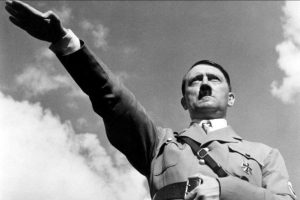 ۱۵-surprising-facts-about-adolf-hitler452099163-apr-27-2014-1-600x400